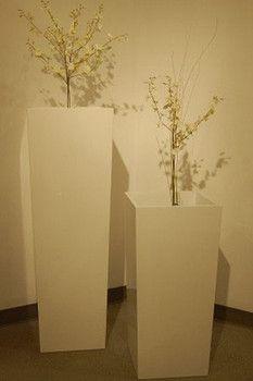 Short Barrel White Flower Planter