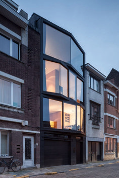 Windows angle out from the front of this family home in Ghent by Belgian architects Steven Vandenborre and Miass Architecture giving multiple perspectives on the street and city below Baroque Architecture, Architecture Design, Facade Design, Residential Architecture, Contemporary Architecture, Exterior Design, House Design, Dezeen Architecture, Beautiful Architecture