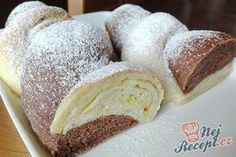 Nadýchané a jemné jako pavučinka. Máslové dvoubarevné pečivo na snídani. Austrian Recipes, Hungarian Recipes, Sweet Pastries, Bread And Pastries, Czech Recipes, Healthy Cake, Mini Cheesecakes, Sweet Cakes, International Recipes