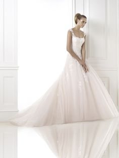Pink wedding dresses for your wedding day | In White http://inwhiteblog.com