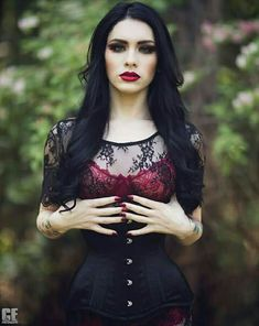 Preview with Chris Epperson Photography. H&M Heather Brady.  Corset by Isabella corsetry