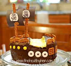 Your kids will have a blast replicating this pirate ship cake! Pirate Birthday Cake, Pirate Party, Yummy Treats, Sweet Treats, Yummy Food, Pirate Food, Pirate Ship Cakes, Happy Foods, Party Cakes