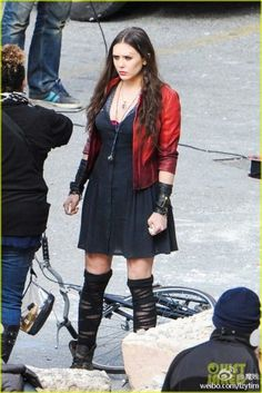The-Avengers-Age-of-Ultron-Scarlet-Witch-Cosplay-Costume-Wanda-Maximoff-Outfits-Adult-Superhero-Costume-2015.jpg (440×659)