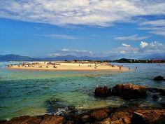 Guarda do Embaú, SC, Brasil.  La playa de Guarda do Embaú está localizada en el municipio de Palhoça SC a 50 Km de la capital Florianópolis. World's Most Beautiful, Beautiful Beaches, Santa Catarina Brazil, Surf, Oh The Places You'll Go, Amazing, Villa, Journey, City