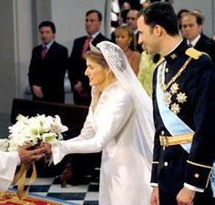 princesa Letizia, dona su ramo a la Virgen de Atocha