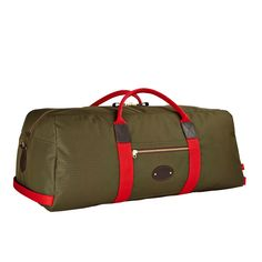 The Cargo Kit Bag Holdall, a fine, hand crafted kitbag built to the highest specification; the Ideal often used for sports, including cricket. Made in England by Chapman Bags Mens Luggage, Luggage Bags, Mens Travel Bag, Travel Bags, Pin Man, England, Mens Cargo, Messenger Bag Men, Briefcase