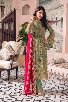 Maryum N Maria Pakistani Wedding Dress Chiffon Collection Castlied Lime Pakistani Formal Dresses, Pakistani Outfits, Best Designer Suits, Designer Dresses, Designer Wear, Wedding Dress Chiffon, Wedding Dresses, Chiffon Shirt, Eid Dresses