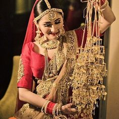 Fab or Drab: What Do You Think About the 'Over-the-Top Kaleere' Trend? Bridal Bangles, Bridal Necklace, Bridal Jewelry, Bridal Chuda, Bridal Poses, Bridal Tips, Bridal Portraits, Bridal Beauty, Bride Look