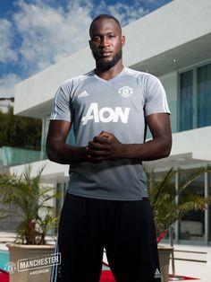 Romelu Lukaku - wellcom to Mufc💕 Luke Shaw, Official Manchester United Website, Man Utd News, Best Football Team, Barclay Premier League, Manchester United Football, United We Stand, Fa Cup, Man United