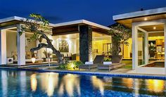 Designed as a modern getaway for travellers to unwind in style, Villa Mahita is significantly distanced from the traffic and madness of mainstream tourism. It is a luxurious holiday abode that offers all the comforts and conveniences of a private home.