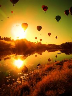Hot Air Balloon Race - Cool !