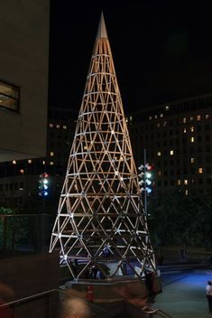Diy Christmas Lights, Winter Christmas, Christmas Trees, Paper Tower, City Events, Shigeru Ban, Paper Clay, Holiday Decorations, Ice