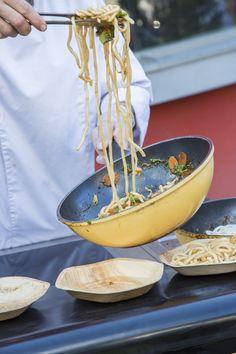 Die Flachauer Wirte verwöhnen euch beim Straßenfest Salzburg, Serving Bowls, Events, Tableware, Tourism, Dinnerware, Dishes, Bowls
