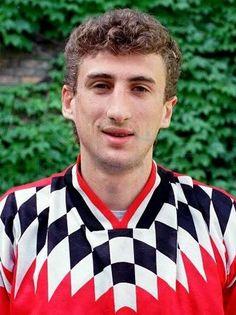 http://www.futbolist.biz/picture/tshadadze.jpg