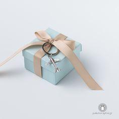 Μπομπονιέρα Βάπτισης Χάρτινο Tiffany Blue Κουτάκι Καφέ Φιόγκος με Μεταλλικό Αεροπλανάκι Gift Wrapping, Gifts, Gift Wrapping Paper, Presents, Wrapping Gifts, Gift Packaging, Gifs, Wrapping, Present Wrapping