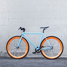 The Golf Fixie by Pure Fix Cycles // an elegant, classic form with bold colour design #productdesign