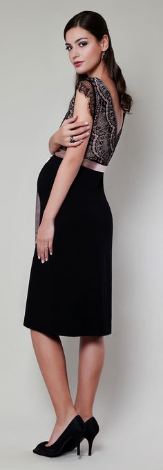 Wir lieben den Vintage-Stil! Unser edles Vintage Rose Kleid mit seidiger Schärpe zur Betonung Ihrer Empire-Linie