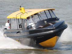 Met de watertaxi snel door Rotterdam. Ideaal van noord naar zuid!