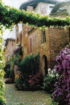Per Antica Mura: Candelo, un rifugio sicuro che resiste anche al tempo.