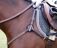 Nunn Finer Hunting 5 Way Breastplate with Elastic