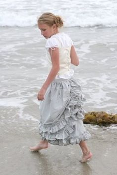 love this ruffled bustle...might make something like this for my girly-girls