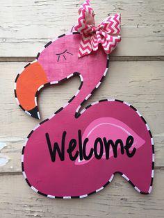 Flamingo door hanger by KenlysCreations on Etsy https://www.etsy.com/listing/228572971/flamingo-door-hanger