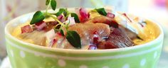 JULEMAT: Slik lager du de gode silderettene - Aperitif.no Potato Salad, Potatoes, Ethnic Recipes, Food, Gourmet Foods, Potato, Meals, Yemek, Eten