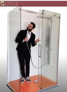 CANTA CHE TI PASSA! Da oggi potrai cantare anche tu sotto la doccia, perchè sostituire la vasca non è mai stato così facile! Scopri come su http://www.amidaceramiche.it/?page_id=161