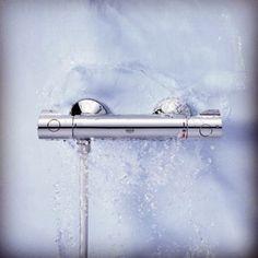 НОВЫЕ ТЕРМОСТАТЫ GROHE  Компания #Grohe представила новую коллекцию безопасных термостатов. Технология TurboStat нивелирует все возможные неприятные скачки температуры воды, технология SafeStop – предотвратит случайное увеличение температуры. Кроме того, в смесителях поток останавливается автоматически, если вдруг перестает идти холодная вода.   #смеситель, #смесители, #ремонтванной, #ремонт_ванной, #ремонт, #ремонтквартир, #ремонт_квартир, #ремонтдома.