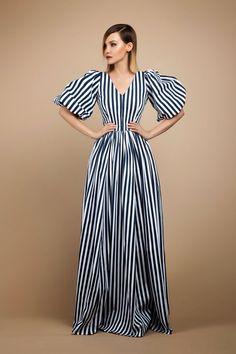 Платье в полоску макси