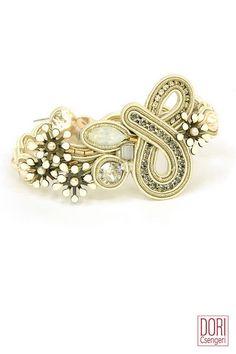 Beautiful bracelet from Stardust Collection. #doricsengeri #bracelet #white #bridal #wedding