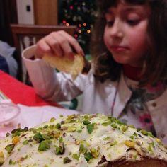 Sciara in famiglia...  #domenica #natale #panettone #pistacchio #SoloCoseBuone #sciara #SciaraPistacchio #SciaraNatale #PanettoneAlPistacchio #ifoodxmas16 #ChristmasTime #ig_food #foodie #tasty #delicious