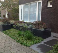 Voortuin ontwerp 24 m2 google zoeken voortuin tuin for Ontwerp voortuin met parkeerplaats
