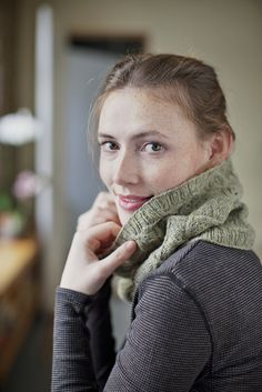 Sweetgrass - Brooklyn Tweed (Lace and Cable Cowl)