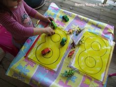 'AWESOME post with great ideas to incorporate into everyday routines!!! Crossing the Midline' ...Activities for Toddlers!