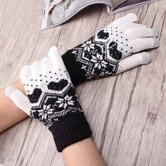 Hot Accessories Touch Screen Magic Gloves Unisex Stretch Male Knitted Gloves For Women Heart Snowflake Mittens Female Gloves
