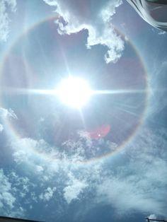 Halo Solar en Medellín, Colombia, el 19 de mayo de 2015 - Halo (fenómeno meteorológico) - Wikipedia, la enciclopedia libre