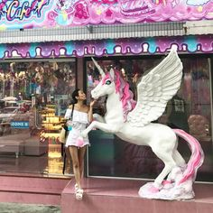From Unicorns to Fake Italy: Bangkok's best theme restaurants offer robots, witches, and mermaids Rustic Coffee Shop, Unicorn Cafe, Restaurant Offers, Believe In Magic, Bangkok, Paradise, Witch, Mermaid, Vacation