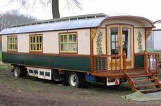 Mooi he ! Gypsy Trailer, Gypsy Caravan, Gypsy Wagon, Tyni House, Tiny House Cabin, Cabana, Dream Jar, Houses In Ireland, Cool Rvs