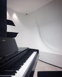 "Esmaeil  Motaghi on Instagram: ""پروژه آکادمی پیانو #سامان_احتشامی ؛ طراحی و اجرا از تیم #پاراژن . . . . #پاراژن  #paragen #paragen_ir #algorithmicdesign…"""