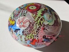A large mid-century, Dino Martins style Murano Glass paperweight, likely by A.V.E.M.