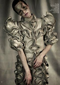 Not Ordinary Fashion is art 3d Fashion, High Fashion, Fashion Design, Structured Fashion, Iris Van Herpen, Textiles, Sculptural Fashion, Fabric Manipulation, Costume Design