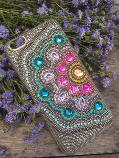 Capa iPhone 6 Plus by Girly Phone Cases, Cell Phone Covers, Diy Phone Case, Iphone Phone Cases, Capa Iphone 6 Plus, Seed Bead Crafts, Embellished Purses, Rhinestone Art, Dot Art Painting