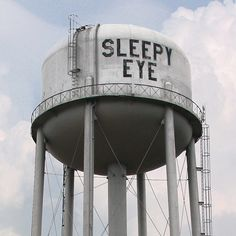 Sleepy Eye Water Tower - photo by rubey_kay, via Flickr;  Sleepy Eye, Minnesota has a population of 3,500.  (2006)
