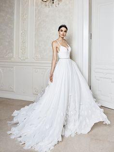 Luna Wedding Gown – Musat Bridal – Rochie de mireasa Luna Midsummer Dream, Beautiful Dresses, One Shoulder Wedding Dress, Marie, Wedding Gowns, Feminine, Bridal, Formal, Celebrities