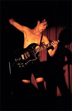 1977/09/03 - USA, San Francisco, Old Waldorf   Highway To ACDC : le site francophone sur AC/DC