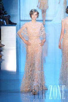 Elie Saab - Alta Costura - Otoño-Invierno 2011-2012 - http://es.flip-zone.com/fashion/couture-1/fashion-houses/elie-saab-2282
