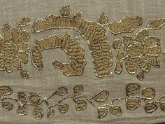 Gümüş,takı,yüzük,kolye,küpe,Antikada; Antika,takılar,turalı gümüşler,antik tekstil,özel antika bakırlar,opolin ve porselen objeler, Kütahya ve Çanakkale Seramikler, Osmanlı cep saatleri, Özel lületaşı pipolar bulabileceğiniz Eskişehir Antikacı Antikada
