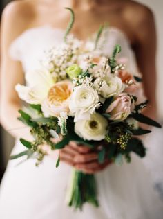Organic Feminine Bridal Shoot - Best Wedding Blog #bouquet