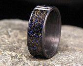 Blaue Dämmerung Gibeon Meteoriten Späne Inlay Kohlefaser Hochzeitsband oder Ring